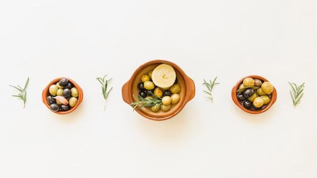 Gemütliches Layout von Olivenplatten | Download der kostenlosen Fotos