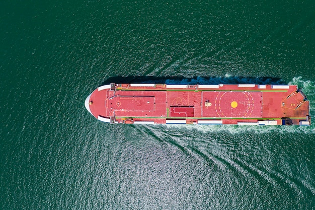 Geschäft große frachtschifflogistik transport internationalen export und import von dienstleistungen auf dem seeweg Premium Fotos