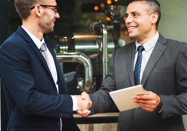 Geschäfts-händedruck-erfolgs-abkommen-konzept Premium Fotos