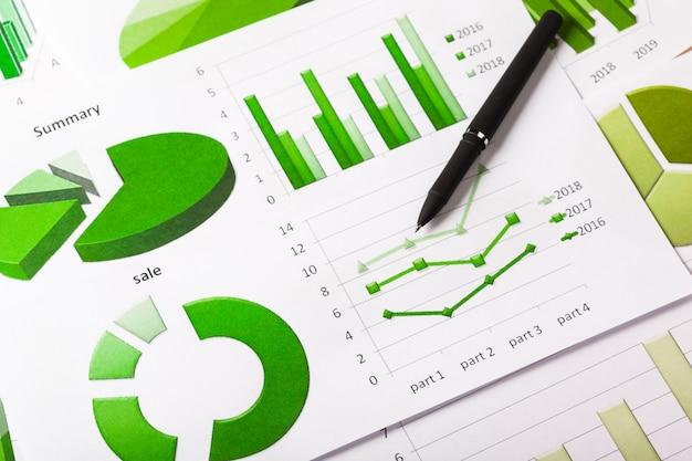 Geschäftsdiagramme grün Premium Fotos