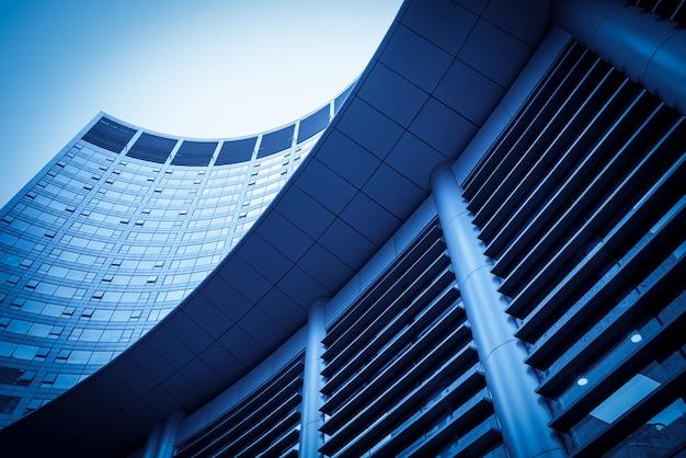 Geschäftsgebäudebüro des schlägerstadtgebäudes Premium Fotos
