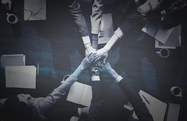 Geschäftsleute teamarbeit Kostenlose Fotos
