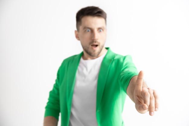 Geschäftsmann finger berühren leere suchleiste, modernes geschäftsraumkonzept - kann zum einfügen von text oder bildern verwendet werden Kostenlose Fotos