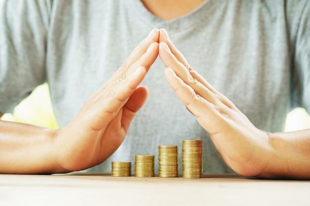 Geschäftsmannschutzgeld auf tabellenkonzepteinsparung Premium Fotos