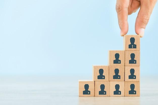 Geschäftsstrategie, um in der heutigen hochaktiven geschäftspraxis erfolgreich zu sein. Premium Fotos