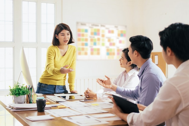 Geschäftsteamwork und ausbildungskonzept. Premium Fotos