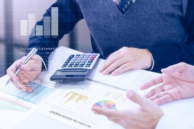 Geschäftsverlauf und return on investment Premium Fotos