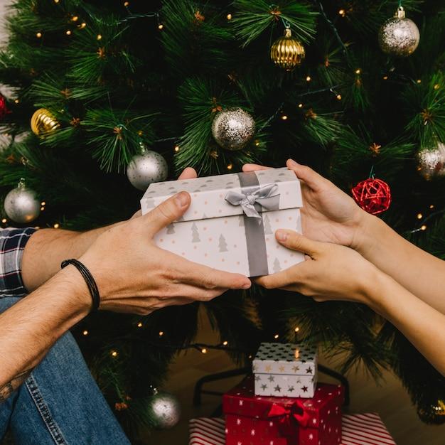 Geschenk austauschen Kostenlose Fotos