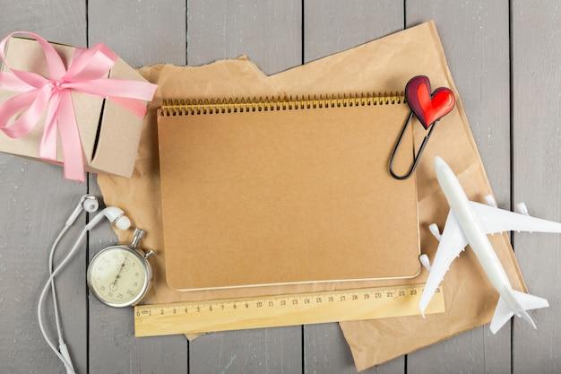 Geschenkbox mit schleife Premium Fotos
