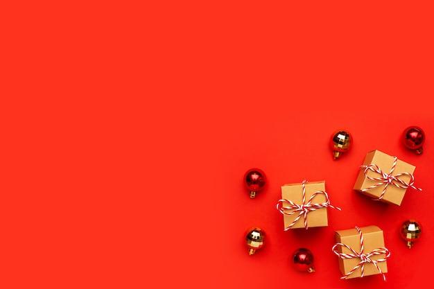 Geschenke und weihnachtsdekoration Premium Fotos