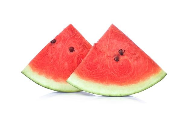 Geschnitten von der wassermelone auf weißem hintergrund. Premium Fotos
