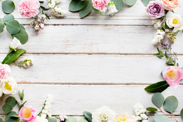 Gestaltungsraum mit blumenrand Premium Fotos