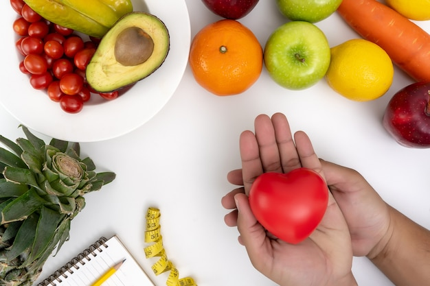 Gesunde diät des diabetesüberwachungsgeräts frisches obst und gemüse Premium Fotos