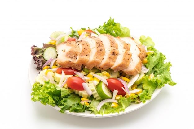 Gesunde salatschüssel mit der hühnchenbrust Premium Fotos