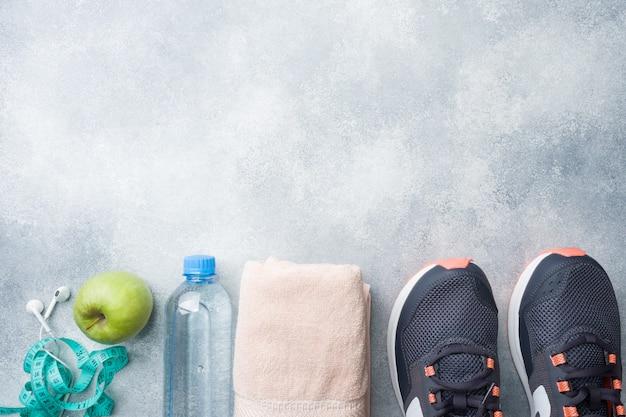 Gesunder lebensstil, nahrung und wasser, sportgeräte Premium Fotos