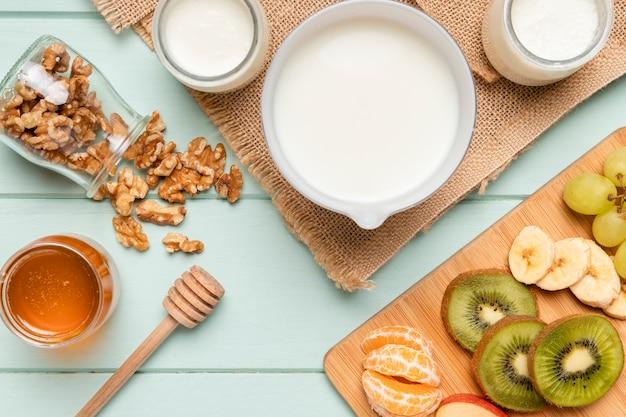 Gesundes frühstück der draufsicht mit müsli Kostenlose Fotos