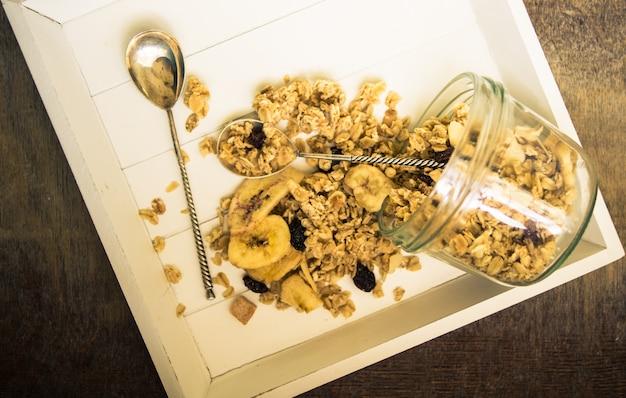 Gesundes frühstück mit beeren Premium Fotos