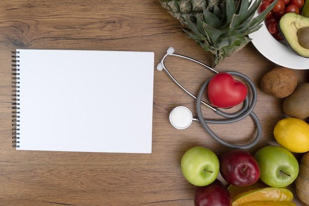 Gesundes lebensmittel des cholesterindiätkonzeptes, das das gesunde mittagessen isst Premium Fotos