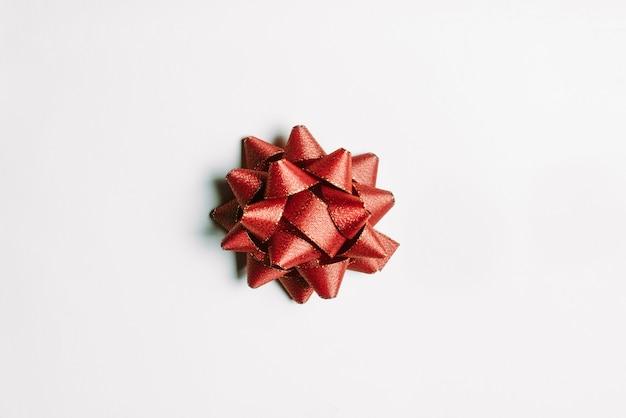 Getrenntes rotes band für weihnachten und guten rutsch ins neue jahr-feier. Premium Fotos