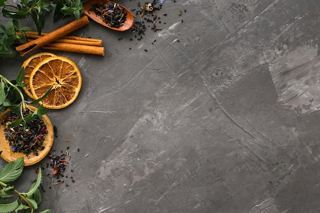 Getrocknete orangenscheiben mit zimt Premium Fotos