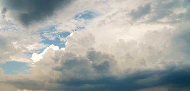 Gewitterhimmel regenwolken Premium Fotos