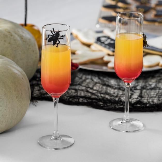 Gläser mit halloween-saft Kostenlose Fotos