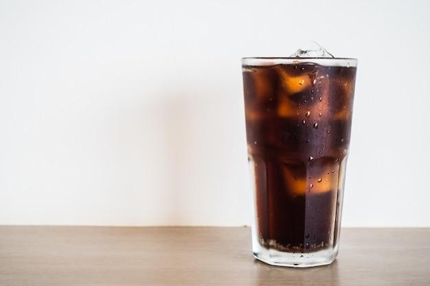 Glas mit cola Kostenlose Fotos