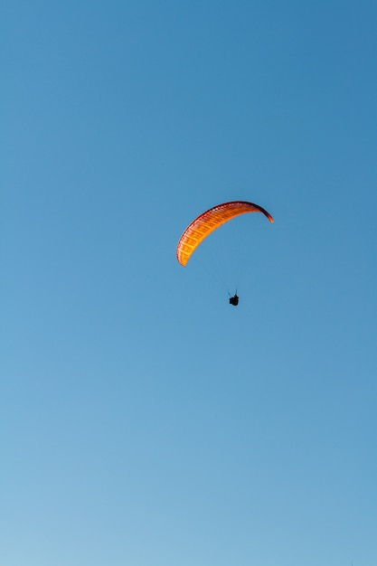 Gleitschirmfliegen Premium Fotos