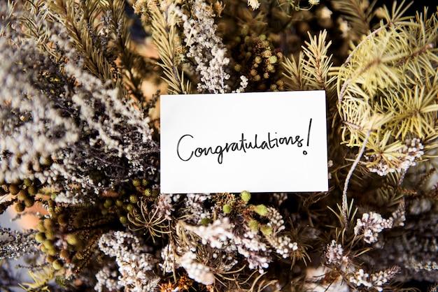 Glückwunschkarte mit verschiedenen pflanzen Kostenlose Fotos