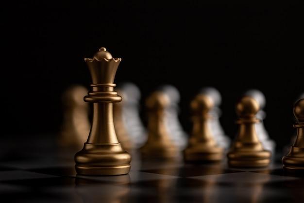 Gold queen ist der anführer Premium Fotos
