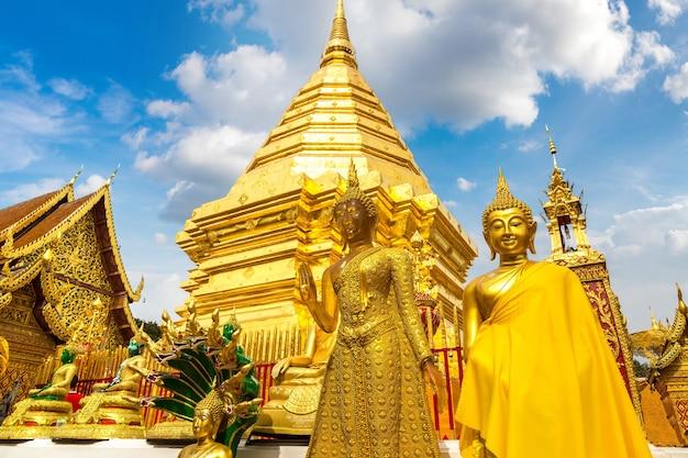 Goldene pagode wat phra, die doi suthep in chiang mai, thailand Premium Fotos