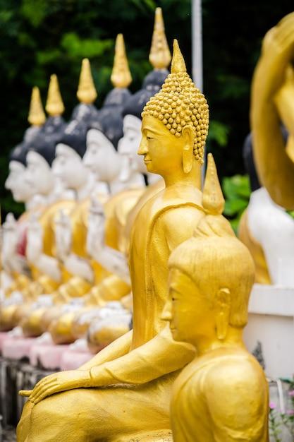 Goldenes buddha-bild Premium Fotos