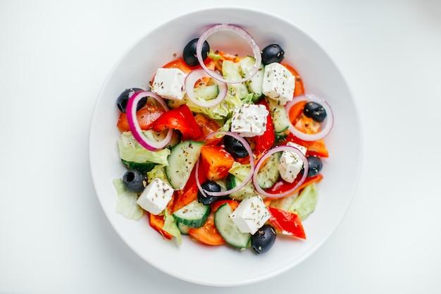 Griechischer salat. ansicht von oben Premium Fotos