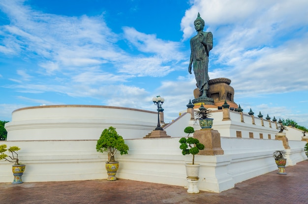 Große buddha-statue in phutthamonthon-provinz, nakhon pathom, thailand Premium Fotos