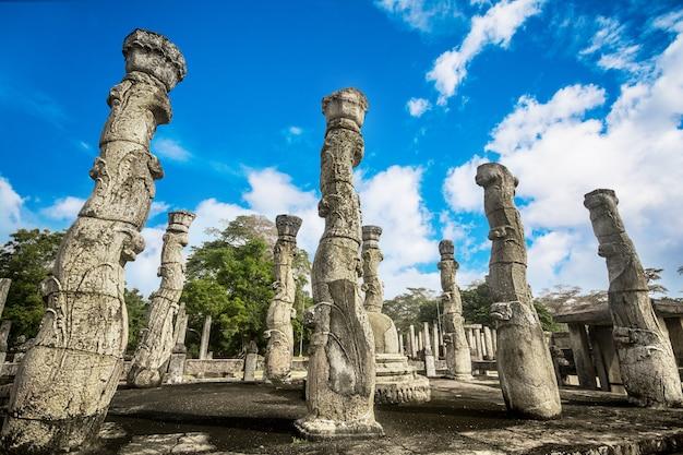 Große ruinen bei polonnaruwa, sri lanka Premium Fotos