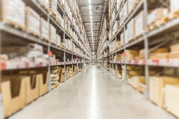 Großes inventar lager waren lager für logistik versand banner hintergrund. Premium Fotos