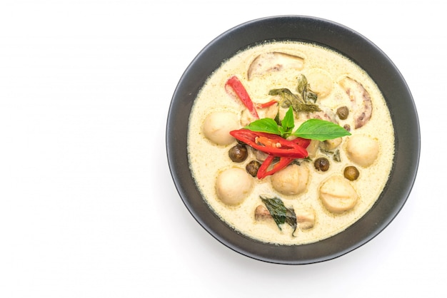 Grünes curry mit fischbällchen Premium Fotos