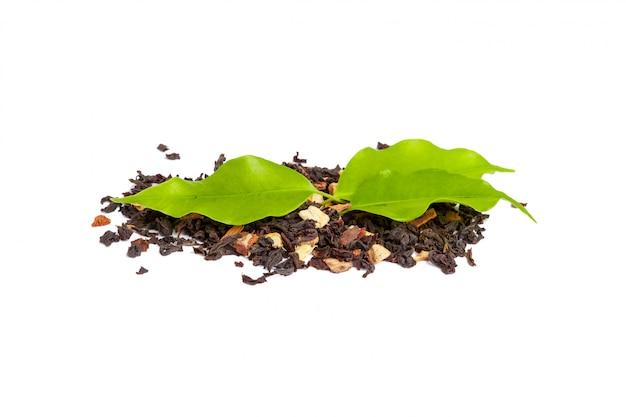 Grünes teeblatt getrennt auf weiß Premium Fotos