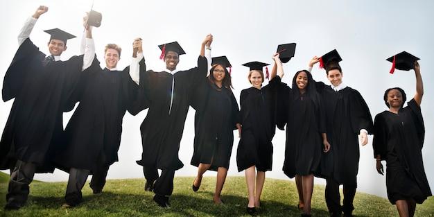 Gruppe verschiedene abschlussstudenten Premium Fotos