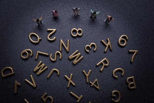 Gruppe von kleinunternehmern und alphabet Kostenlose Fotos