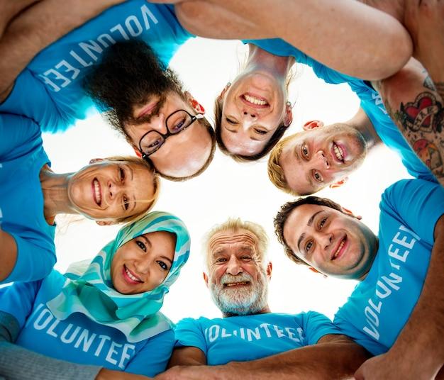 Gruppe von verschiedenen freiwilligen Kostenlose Fotos