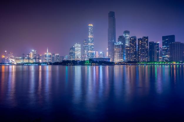 Guangzhou, china-jan.8,2016: nachtansicht des zhujiang new town, gu Kostenlose Fotos