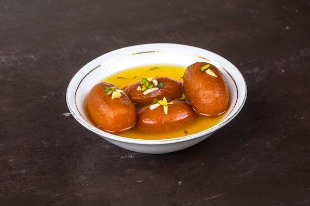 Gulab jamun süß Premium Fotos