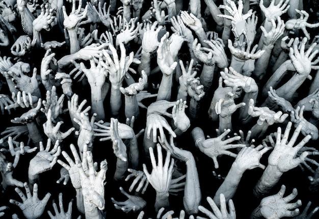 Hände aus der hölle - horror background zombie breakout. Premium Fotos