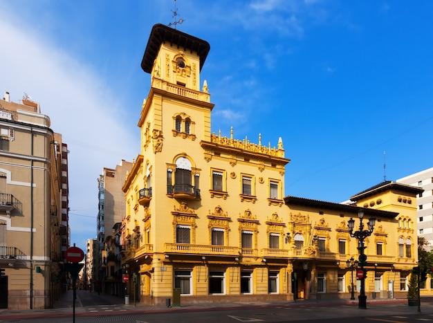 Häuser in der straße von castellon de la plana, spainon Kostenlose Fotos