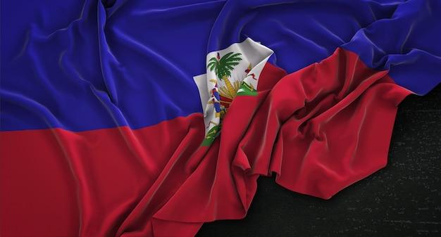 Haiti-flagge geknickt auf dunklem hintergrund 3d render Kostenlose Fotos