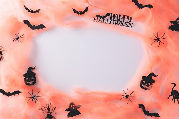 Halloween-handwerk auf weiß mit kopienraum. Premium Fotos