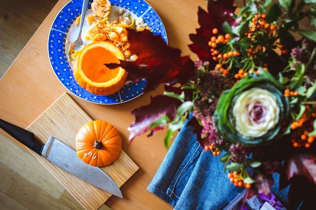 Halloween kürbis schnitzen Kostenlose Fotos