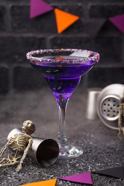 Halloween lila lavendel margarita cocktail Premium Fotos