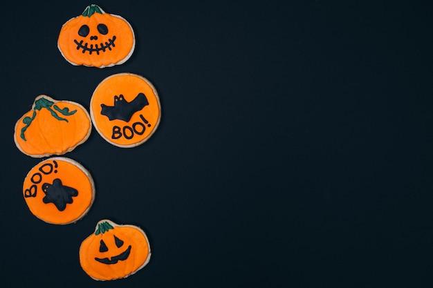 Halloween verzierte selbst gemachte ingwerplätzchen Kostenlose Fotos